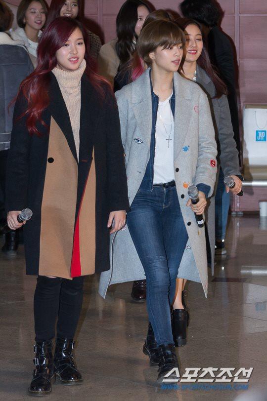 「JYP所属歌手と共に」に出演したTWICEミナとジョンヨン
